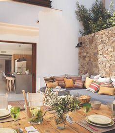garten reihenhaus Source The post appeared first on My Art My Home. Sectional Patio Furniture, Outdoor Furniture Sets, Patio Interior, Interior And Exterior, Cafe Exterior, Exterior Stairs, Outside Living, Outdoor Living, Outdoor Fire