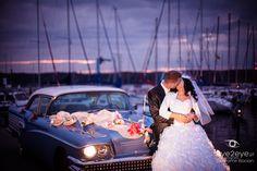Fotografia ślubna w plenerze nad jeziorem charzykowskim niedaleko Chojnic w województwie pomorskim.
