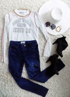 Kup mój przedmiot na #Vinted http://www.vinted.pl/damska-odziez/bluzy/4967084-biala-bluza-siatka-napis