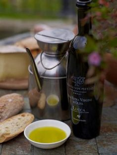 The road of wine and olive oil in Lucca, live the best food and wine tours in Tuscany. Tenuta san Pietro hotel in Tuscany.