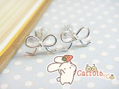 Lana Red: Giveaway Love: Carrots & Co Bow Earrings!