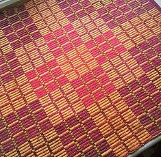 Halvdrall table square woven at Vavstuga Weaving School