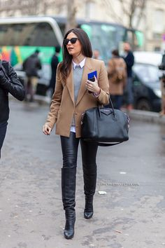 6334-Athens-Streetstyle-woman-camel-blazer-leather-pants-Paris-Fashion-Week-Fall-Winter-2014-2015-Street-Style