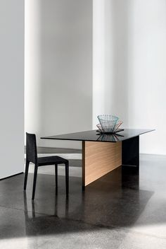 Download the catalogue and request prices of Regolo | rectangular table By sovet italia, rectangular wood and glass table design Lievore Altherr Molina, regolo Collection