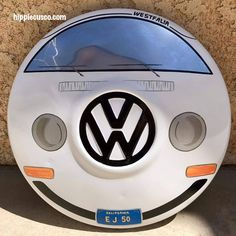 We offer private transfer and custom-made tours in the city of Cusco and Sacred Valley on board of our Vintage Vw bus. Volkswagen T1, Vw Logo, Bus Art, Vw Parts, Kombi Home, Car Furniture, Van Design, Garage Art, Automotive Decor