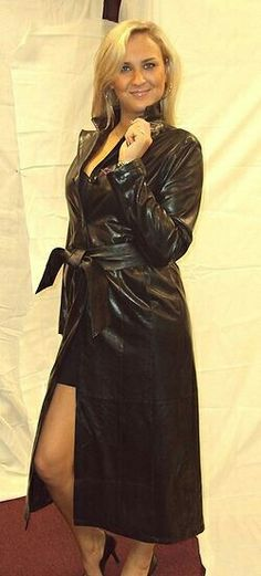 Yearning to be a kinky wife's bitch in chastity Grey Fashion, Leather Fashion, Look Fashion, Womens Fashion, Long Leather Coat, Leather Trench Coat, Trent Coat, Leder Outfits, Sexy Outfits