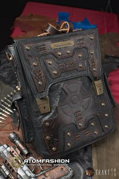Apocalypse cinder man leather steampunk bag by Atomfashion on Etsy Leather Armor, Leather Belt Bag, Leather Men, Leather Backpack, Leather Wallet, Cosplay, Thick Leather, Leather Accessories, Balenciaga City Bag