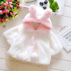 赤ちゃん幼児の女の子の毛皮冬暖かいコートマントジャケット厚い暖かい服女の赤ちゃんかわいいフード付き長袖コート送料無料