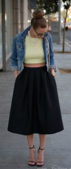 50′s Flare, The Modern Poodle Skirt I am in love with these skirts and plan on making a few for myself foe spring