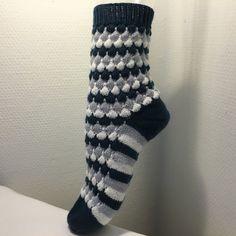 """Socken """"Bubbles"""" - Strickanleitung - Strickanleitungen bei Makerist"""