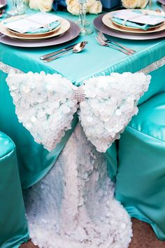 #Tiffany Blue Wedding ... Marianne Lozano Photography via CeremonyBlog.com (2)  www.egovolo.com