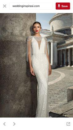 Es un vestido sensual, elegante, digno para una reina, para una novia con mucha clase y diferente.