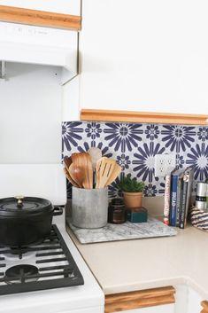 How to Add a Peel and Stick Kitchen Backsplash in a Rental Peel N Stick Backsplash, Stick On Tiles, Kitchen Backsplash, Peel And Stick Countertop, Kitchen Cabinets, Backsplash Ideas, Rental Kitchen, Kitchen Decor, Kitchen Design