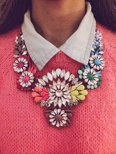 How to take an ordinary look and make it extraordinary, a statement necklace.