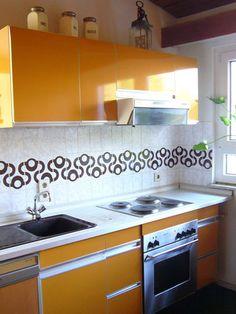 70er Jahre Möbel, Hochglanzküche orange, allmilmö, Raumteilerwand, Durchreiche 20,50 Euro