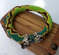 Beaded Bracelet - Beaded Crochet Bracelet - Zig zag