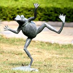 Are you crazy about frog stuff? That's why I created this fun frog page! Here you will find the best frog decor ever! Frog lamps, frog garden statues and more! Outdoor Garden Statues, Garden Fountains, Fountain Garden, Outdoor Ponds, Pool Fountain, Pond Spitters, Frog Statues, Garden Animal Statues, Angel Statues