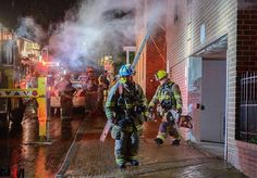 FEATURED POST  @mikehuggmedia - (04.25.2017) - Annapolis Box 38-24 Commercial Building Fire unit block of Francis Street .  ___Want to be featured? _____ Use #chiefmiller in your post ... http://ift.tt/2aftxS9 . CHECK OUT! Facebook- chiefmiller1 Periscope -chief_miller Tumblr- chief-miller Twitter - chief_miller YouTube- chief miller .  #firetruck #firedepartment #fireman #firefighters #ems #kcco  #brotherhood #firefighting #paramedic #firehouse #rescue #firedept  #workingfire #feuerwehr…