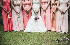 casamento-rustico-casa-de-campo-sao-paulo-madrinhas-da-mesma-cor-coral (14)