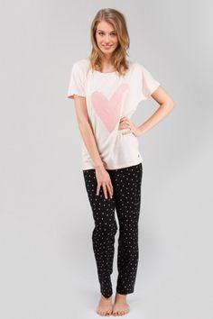0e7ddf0f0d21f7 Get ready for a lazy day in this gorgeous heart legging nightwear set