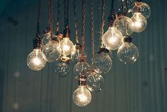 These light bulbs are very pretty and awesome. I would put these in my room Deco Luminaire, Collage Vintage, Deco Design, Home And Deco, My New Room, Home Design, Interior Design, Interior Decorating, Fairy Lights