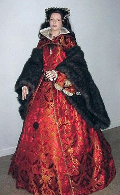 Dress based on portrait of Mary Tudor. 16th Century Fashion, 17th Century, Queen Mary Tudor, Tudor Dress, Tudor Costumes, Catherine Of Aragon, Renaissance Costume, Little Doll, Vintage Outfits