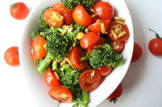 Steamed Broccoli with Ginger Soy Sauce and Cherry Tomatoes