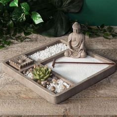 Build your own mini zen garden with this zen garden kit which aids in meditation. - Build your own mini zen garden with this zen garden kit which aids in meditation and provides relax - Jardin Zen Miniature, Mini Jardin Zen, Mini Zen Garden, Zen Sand Garden, Miniature Gardens, Meditation Garden, Meditation Rooms, Buddha Meditation, Jardin Zen Interior