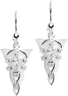 Earring set of 925 silver with 7 zirconia crystals. Size approx. 1.5 x 3 cm. The set will be delivered in a decorative box.