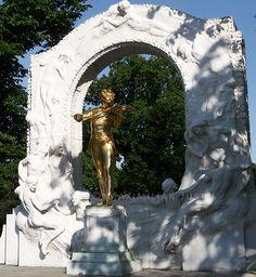 Johann Strauss II in the Stadtpark, Vienna (Photo: Maximilian Just)