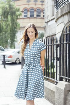 The Charlotte dress is a pretty shirt dress with a boat style collar and full circle skirt. Vintage Inspired Outfits, Vintage Style Outfits, Vintage Dresses, Vintage Fashion, Good Earth India, Charlotte Dress, Irish Design, Boat Fashion, Pretty Shirts