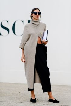 The Most Unforgettable Street Style Looks at Paris Fashion W.- The Most Unforgettable Street Style Looks at Paris Fashion Week The Most Unforgettable Street Style Looks at Paris Fashion Week - Look Fashion, Trendy Fashion, Autumn Fashion, Womens Fashion, Fashion Trends, Fashion 2018, Fashion Quiz, Chubby Fashion, Net Fashion