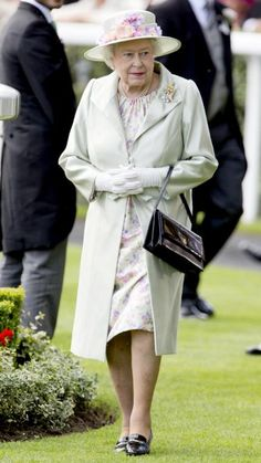 Queen Elizabeth is the Monarch of Monochrome! See her best head-to-toe color looks in our gallery.