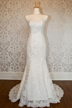 Strapless mermaid lace bridal wedding dress