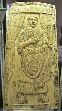 A leaf of a consular diptych of Flavius Felix, enrobed and holding a consular staff. Carved out of ivory. Made in 428 at Rome. Currently located at the treasury of Abbey of Saint-Junien, France. Carthage, Ancient Rome, Ancient History, Roman Consul, Saint Junien, John Chrysostom, Byzantine Icons, Romanesque, Dark Ages