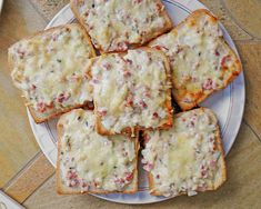 Flammkuchen - Toast 44 Party Snacks, Barbecue, Keto Recipes, Dairy, Cheese, Karma, Food, Delicious Food, Food And Drinks