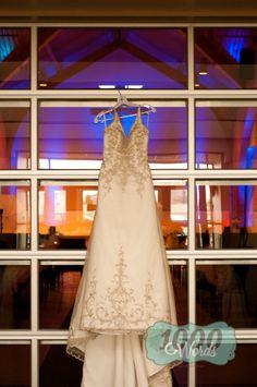 Wedding Photography * Wedding Pose * Rustic Wedding