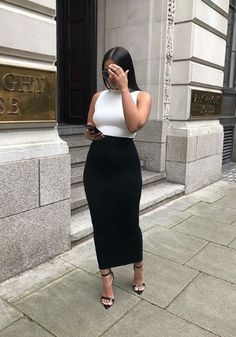 Buy latest fashion dresses for women online, various stylish dresses for your needs, find trendy sexy dresses, casual dresses & more womens dresses with affordable prices. Mode Outfits, Skirt Outfits, Fashion Outfits, Dress Skirt, Waist Skirt, Midi Skirt, High Waisted Skirt, Fashion Tips, Black Girl Fashion