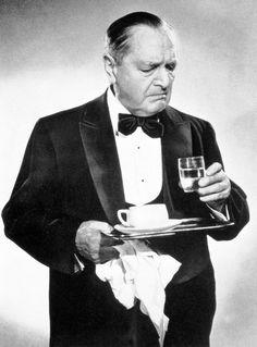 "Hans Moser als Oberkellner in ""Ober, zahlen!"" Ö 1957, E.W. Emo  - Moser was great!"