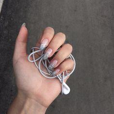 Pink and silver, nails - ChicLadies. Nails Polish, Aycrlic Nails, Nail Manicure, Cute Nails, Pretty Nails, Hair And Nails, Almond Acrylic Nails, Best Acrylic Nails, Nail Ring