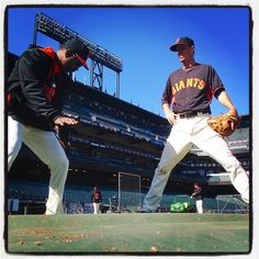 #sfgiants @mm_duffy gets fielding tips from Shawon Dunston at #attpark. Photo by @punkpoint