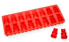 Gummy bear ice cube tray - coat it with a thing mist of PAM, mix up Jello and vodka, pour in molds and refrigerate Gadgets And Gizmos, Cool Gadgets, Gelatina Light, Vodka, Pinterest Instagram, Take My Money, Ice Ice Baby, Ice Cube Trays, Ice Cubes