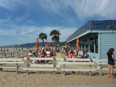 Warm weather calls for a trip to Back on the Beach Cafe, one of LA's best spots for dining al fresco!