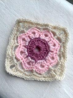 Granny #74 - 15 March 2014 #crochetmoodblanket2014 #sylphdesigns http://sylph.ee