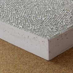 Retroreflective high-performance concrete-selected by Materials Council
