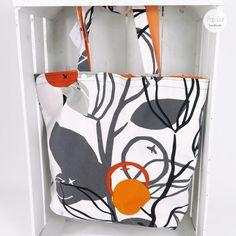 Wendetasche: Der robuste Baumwollstoff ist ideal für den große Einkauf. Die Tasche ist sehr stabil. Durch die Wendemöglichkeit, kann man die Außenseit je nach Lust und Laune variieren., Muster orange Abmessungen: ca. 42 x 45 cm Preis: € 29,- Jetzt bestellen: http://www.popcut.at/diy/webshop/