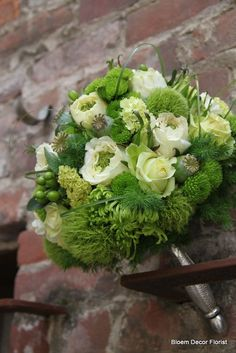 Spider Mums, Wedding Flowers, Wedding Day, Flower Delivery Service, Fine Hotels, Local Florist, Cream Roses, Go Green, Cut Flowers