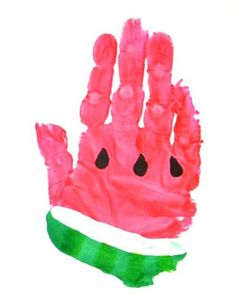 Hand Print Art for Watermelon: 14 DIY Watermelon Crafts and Activities Your Kids Will Want to Do. There are so many great watermelon crafts and sensory activities for preschoolers and toddlers to choose from. Kids Crafts, Daycare Crafts, New Crafts, Baby Crafts, Toddler Crafts, Arts And Crafts, Summer Crafts For Toddlers, Crafts For Babies, Watermelon Crafts