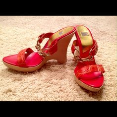 Italian Mark iLeana, custom made wedge size37 Purchased in Italy, this beautiful platform wedge sandals with Swarovski Crystal embarrassments. Those wedges will bring any outfit to life. Swarovski Crystals are in shape of sea shells are very sparkly and beautiful . Shoes wore warn 2 times, no signs of wear, other then on the sole, berry visible. BOUGHT NEW IN ITALY FOR $425.00 this past summer, LIKE NEW iLeana Italian Made Shoes Sandals