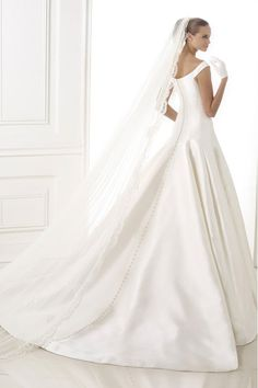 2015 Great Bateau Wedding Dress Off The Shoulder A Line With Satin Skirt